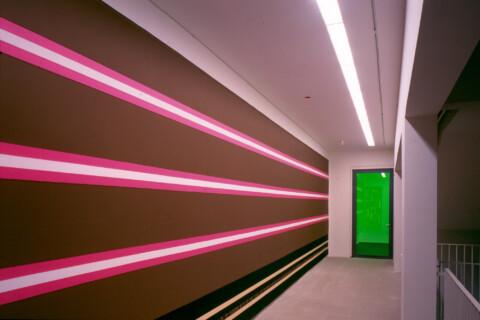 Ausstellungsansicht, Ugo Rondinone: GUIDED BY VOICES, 1999/2000, GfZK Leipzig, Foto: Hans-Christian Schink