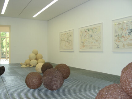 Ausstellungsansicht, [Collection 2000], 2000, GfZK Leipzig, Foto: Hans-Christian Schink