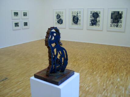Ausstellungsansicht, Michael Morgner: FIGUR + METAPHER, 2000, GfZK Leipzig, Foto: Hans-Christian Schink