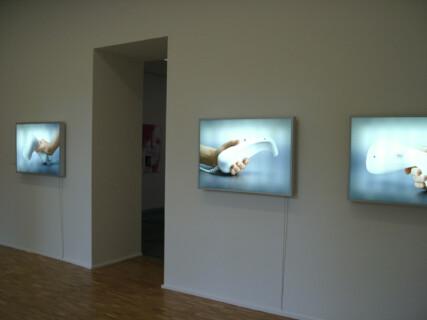 Ausstellungsansicht, All You Can Eat! , 2000, GfZK Leipzig, Foto: Stefan Fischer