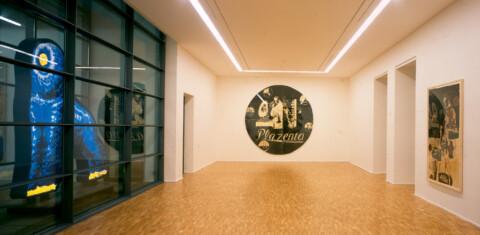 Ausstellungsansicht, Neo Rauch: RANDGEBIET, 2000/2001, GfZK Leipzig, Foto: Hans-Christian Schink
