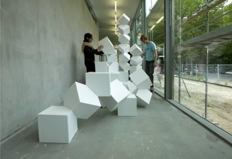 Ausstellungsansicht, Jeppe Hein, 2004, GfZK Leipzig, Foto: Wolfgang Günzel
