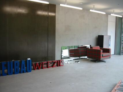 Ausstellungsansicht, Anita Leisz, 2004, GfZK Leipzig, Foto: Andreas Enrico Grunert