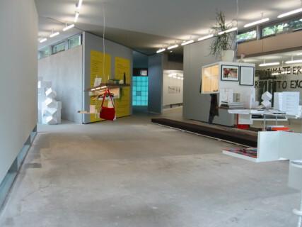 Ausstellungsansicht, BLESS, Angela Bulloch, 2004, GfZK Leipzig, Foto: Andreas Enrico Grunert