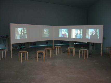 Ausstellungsansicht, Janet Grau, Der zweite Blick, 2004, GfZK Leipzig, Foto: Andreas Enrico Grunert