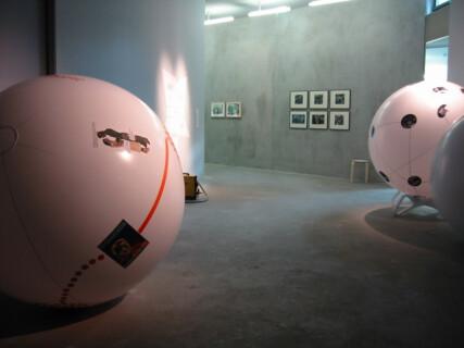 Ausstellungsansicht, Tilo Schulz, Evelyn Richter, Der zweite Blick, 2004, GfZK Leipzig, Foto: Andreas Enrico Grunert