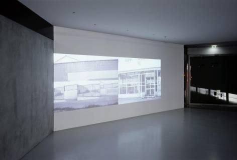 Ausstellungsansicht, Monica Bonvicini, 2006, GfZK Leipzig, Foto: Andreas Enrico Grunert
