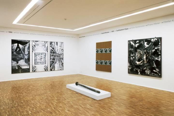 Ausstellungsansicht mit Werken von Marcel Odenbach, Rosemarie Trockel, Michael Morgner, Günther Uecker (v. l. n. r.). Foto: Andreas Enrico Grunert