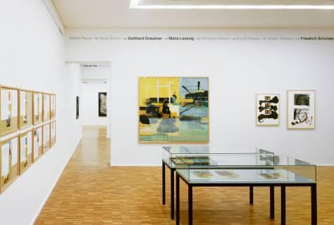 Ausstellungsansicht mit Werken von Ilya Kabakov, Neo Rauch, Klaus Hähner-Springmühl (v. l. n. r.). Foto: Andreas Enrico Grunert