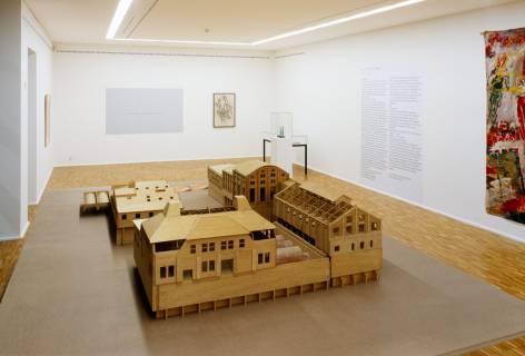 Ausstellungsansicht mit Carsten Nicolai: voxxx-Modell. Foto: Andreas Enrico Grunert