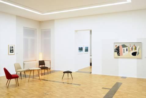 Ausstellungsansicht mit Werken von Till Exit, Arno Fischer, Nathan Coley und Werner Heldt (v. l. n. r.). Foto: Andreas Enrico Grunert