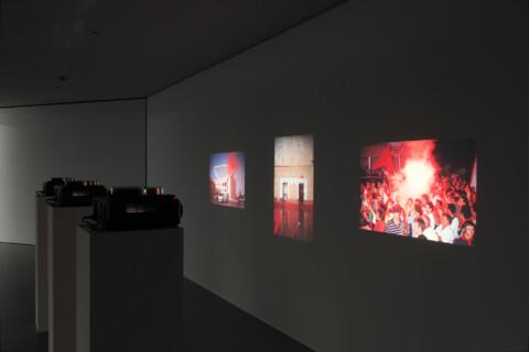 Ausstellungsansicht, Christodoulos Panayiotou, 2011, GfZK Leipzig, Foto: Andreas Enrico Grunert
