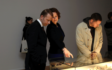 Führung durch die Ausstellung Taus Makhacheva, Kunstpreisträgerin