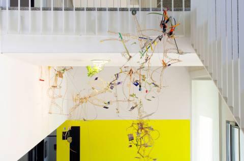 Die Konservierungsmaschine 2011: Sarah Sze: Still Life with Flowers, 1999-2011. Foto: Sebastian Schröder