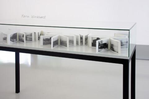 Ausstellungsansicht, Wenn jemand eine Reise tut, 2011, GfZK Leipzig, Foto: Sebastian Schröder