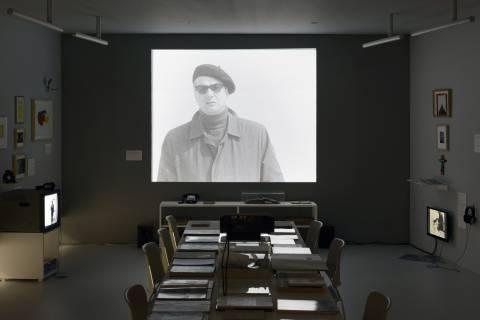 Dainius Liškevičius: Museum, GFZK 2012. Ausstellungsansicht: Foto Sebastian Schröder
