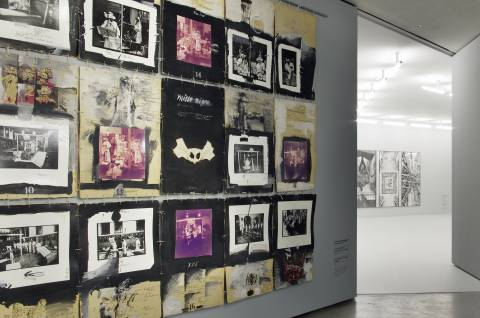 Hartwig Ebersbach: Fragmentfahnen zum Kammerspiel II - missa negra, 1978/79. Foto: Sebastian Schröder