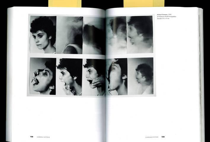 """Gabriele Stötzer, """"Schrei Carmen"""", 1982, 10 s/w Fotografien; Scan aus """"und jetzt. Künstlerinnen aus der DDR"""". Ausstellungskatalog. A. Richter, B.E. Strammer, B. Knaupp (Hg.), Verlag für moderne Kunst Nürnberg 2009, S.109"""