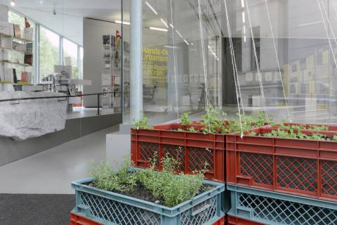 Hands-on Urbanism 1850-2012. Vom Recht auf Grün, GFZK 2015. Installationansicht. Foto: Sebastian Schröder