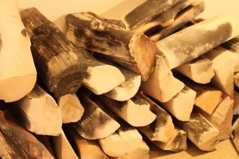 Svätopluk Mikyta: Holz aus Porzellan, 2001. Foto: Stefanie Bose