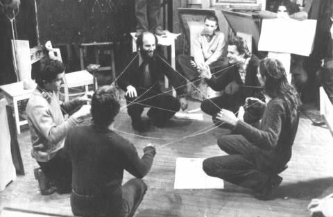 Miklós Erdély, Dóra Maure: Aktiv-Passive Übungen im Rahmen des Kurses Kreativitätsübungen 1976-77 Foto: Tamás Papp