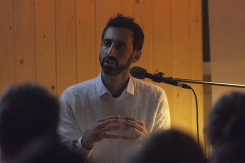 The Transliterative Tease lecture-performance. Foto: Johannes Ernst