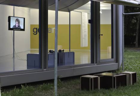 Durch Wände Gehen, 2015. Installationsansicht. Foto: Sebastian Schröder