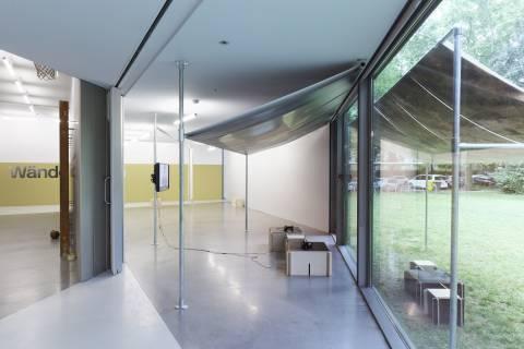 Durch Wände Gehen, 2015. Installationsansicht. Foto: Daniel Poller