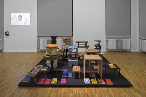 Moira Zoitl, 2011-2013, Der Sozialismus Siegt, , The Present Order, Ausstellungsansicht, Foto: Wenzel Stählin