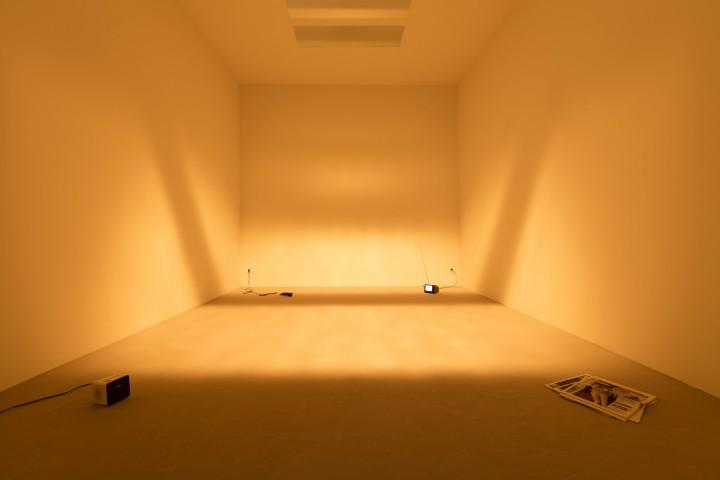 Dominique Gonzalez-Foerster, Une Chambre En Ville, 1996, exhibition view: Dominique Gonzalez Foerster. 1887–2058, K20 Kunstsammlung Nordrhein-Westfalen, Düsseldorf, 2016 Photo © Andrea Rossetti
