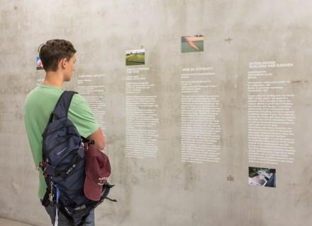 BAUGRUND: Nutzungskonzepte für den GfZK-Garten, Ausstellungsansicht, Foto: Alexandra Ivanciu