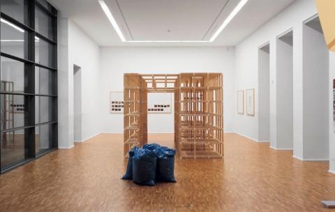 Ausstellungsansicht, Versionen - Die Künstlerbibliothek, 2008, Fotograf: A. E. Grunert