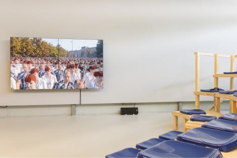 Clemens von Wedemeyer, Mehrheiten, 2019, GfZK, Foto_Alexandra Ivanciu_Courtesy KOW, Berlin and Galerie Jocelyn Wolff, Paris