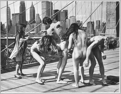Explosion anatomique de Yayoi Kusama, Pont de Brooklyn, New York, 1968