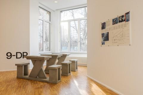 Ausstellungsansicht, Am Ende diese Arbeit, Dan Peterman, Running Tables, GfZK, Foto Alexandra Ivanciu