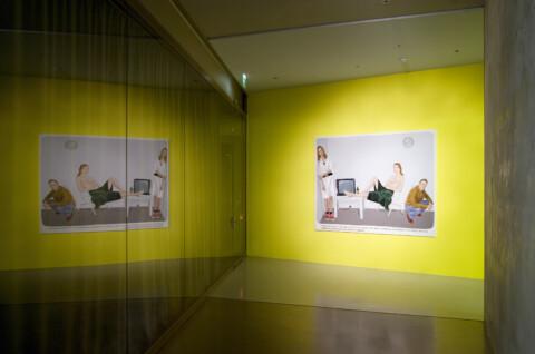 Ausstellungsansicht, Muntean / Rosenblum: MAKE DEATH LISTEN, Foto: Sebastian Schröder