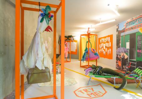 Ausstellungsansicht, Volks*theater Rampe. Appointment X - Verabredungen unter besonderen Bedingungen. Foto Alexandra Ivanciu